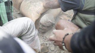 Cận cảnh Động đất ở Nepal: Làm chết hơn 3000 người, quá kinh hoàng