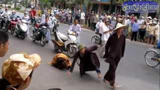 Thầy chùa gian hồ đánh người quăng nón cối ở Quảng Bình